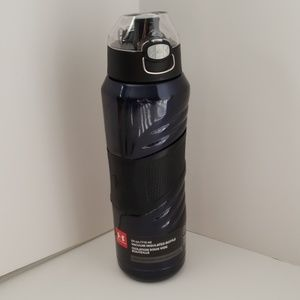 Under Armour- 24oz Vacuum Insulated Bottle